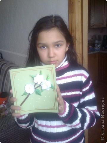 Вот такую открытку мы сделали с Юляшей на скорую руку.  Веточку у вишни выполнила Юля из туалетной бумаги, и раскрасила акварелью. фото 1
