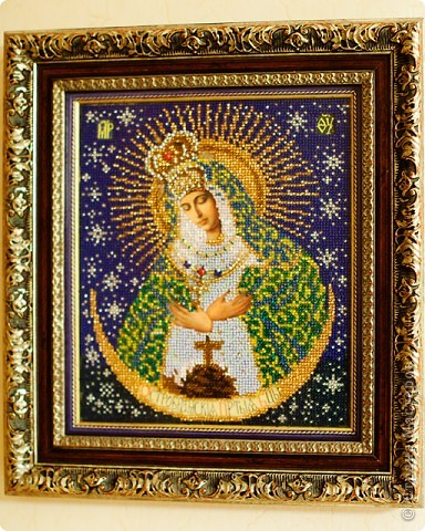 Острабрамская богородица.Икона Божией Матери «Острабрамская» - древняя православная святыня. Она является одним из прекраснейших изображений Богоматери. Время явления сей иконы не известно. Молятся ей о счастье супружеской пары и защите от вмешательств в семью злой силы. Как православные, так и католики, имеют благовейное почитание к сей чудотворной иконе. .