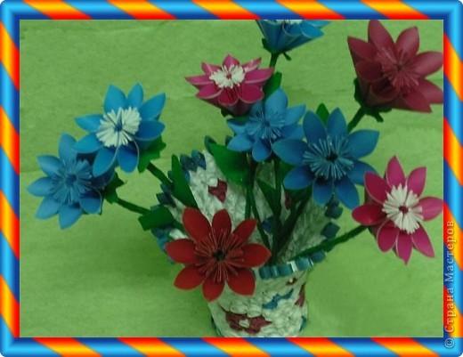 Вазочка и цветы фото 2