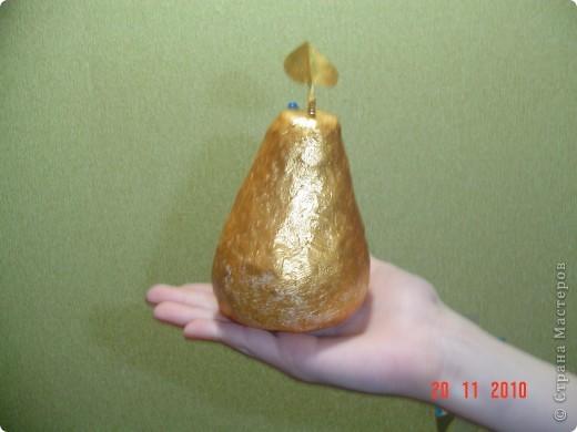Морковка сделана для школьного спектакля. Листики сделаны из проволоки,обмотанной бумагой. фото 2