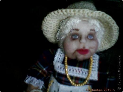 БАБУШКА  АРИНА. Куколка пошита в текстильно - скульптурной технике. Наполнитель синтепон. Высота 35 см фото 5