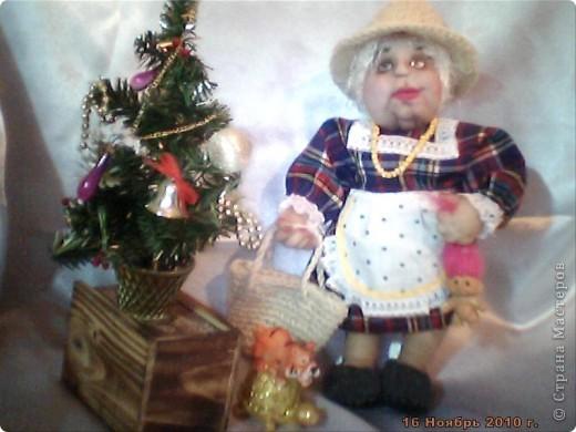 БАБУШКА  АРИНА. Куколка пошита в текстильно - скульптурной технике. Наполнитель синтепон. Высота 35 см фото 2