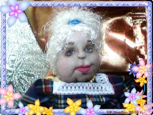 БАБУШКА  АРИНА. Куколка пошита в текстильно - скульптурной технике. Наполнитель синтепон. Высота 35 см фото 1