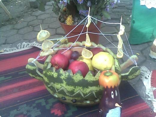 14 октября на Покрова у нас в Кишиневе проходил День Города. Каждый район делал выставку творчества. Участвуют школы, дет сады , школы-интераты, колледжи.Вот некоторые из экспонатов. фото 1