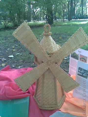 14 октября на Покрова у нас в Кишиневе проходил День Города. Каждый район делал выставку творчества. Участвуют школы, дет сады , школы-интераты, колледжи.Вот некоторые из экспонатов. фото 3