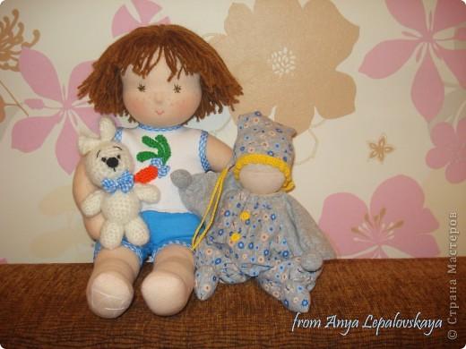 Веселый озорной мальчишка 38 см :) с братцем кроликом фото 3