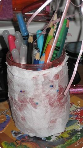Берём любую баночку, берём салфетку, обклеиваем ей баночку  можно украсить(Я бисером!!!))) фото 1