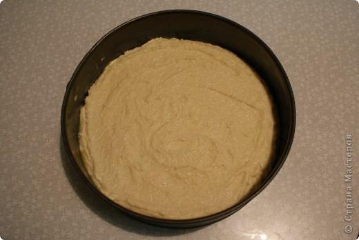 Давненько я не пекла это египетское сладкое блюдо, называемое басбуса. Тем, кто бережет фигуру, искренне сочувствую и не советую делать для себя. Убийственно сладкое. фото 5