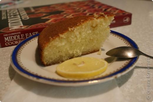 Давненько я не пекла это египетское сладкое блюдо, называемое басбуса. Тем, кто бережет фигуру, искренне сочувствую и не советую делать для себя. Убийственно сладкое. фото 1