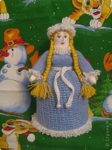 Эта кукла связана к новогоднему празднику,платье связано отдельно.