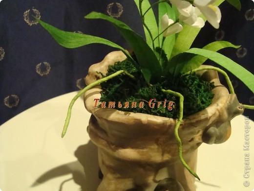 Вот такая орхидея получилась из гофрированной бумаги. Результатом довольна на все 100%. фото 3