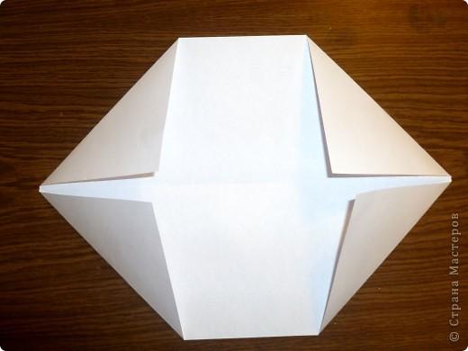 Для работы требуются: лист бумаги, ножницы и фломастеры. фото 4