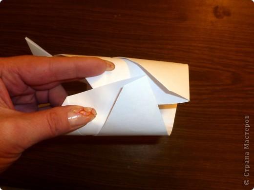 Для работы требуются: лист бумаги, ножницы и фломастеры. фото 9