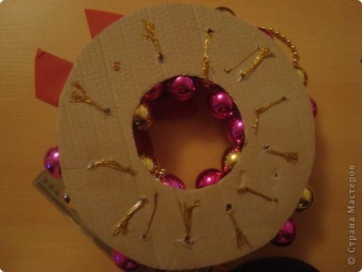 Венок из ёлочных шаров. фото 5