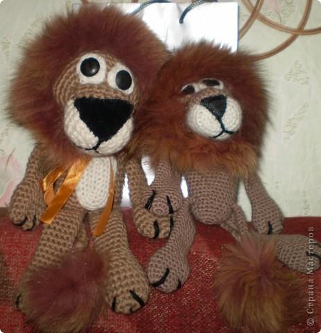 Хоть и львы, но очень добрые