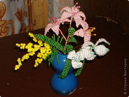 Цветок лилия бисероплетение