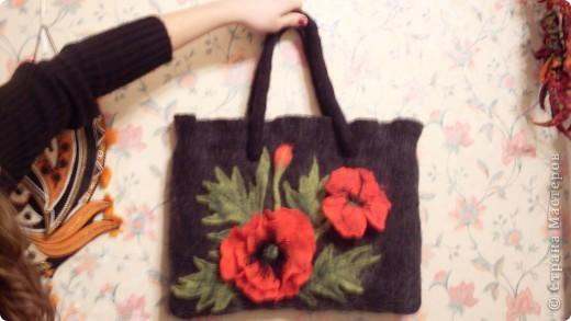 Это зимняя сумка ( мокрое валяние).Первая сумочка но надеюсь не последняя. фото 1