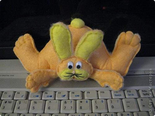 """""""Шоколадный"""" заяц. Таких же простеньких зайчиков много встречала на сайте, у меня получился вот такой из бумажной салфетки. фото 2"""