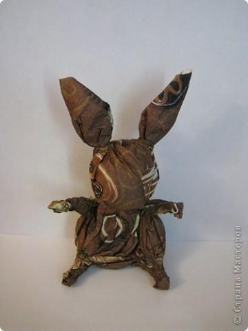 """""""Шоколадный"""" заяц. Таких же простеньких зайчиков много встречала на сайте, у меня получился вот такой из бумажной салфетки. фото 1"""