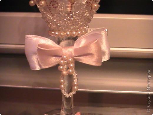 Свадебные фужеры. Материал: контур для акриловых красок, пластика, бусины, бисер. фото 5