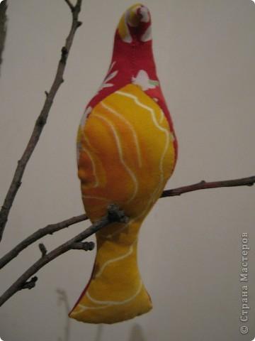 Искала в интернете текстильные игрушки, и увидела стаю птиц! Теперь у меня тоже живут эти прекрасные птицы! фото 5