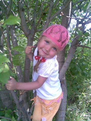 Это моя доченька Ярослава в очередной шапочке)))))  фото 4