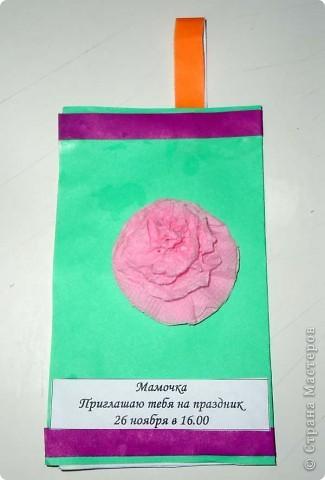 """На этой неделе я учила своего  4-х летнего сына делать цветы из салфеток. Мк """"Цветы из салфеток - http://stranamasterov.ru/technics/napkins_details Алеше это занятие так понравилось, что он попросил меня сделать много заготовок, чтобы научить делать такие цветы воспитателя и детей из своей группы. Вот что у них получилось. Это Алешин фонарик с цветочком.    фото 1"""