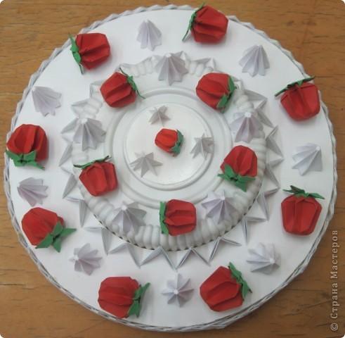 Дорогие Женщины! Поздравляю всех с ДНЁМ МАТЕРИ! Этот торт с клубникой и безешками для вас! Пусть в жизни у вас будет побольше поводов для радости. Оставайтесь всегда молодыми и прекрасными! Пусть ваши дети радуют вас своими успехами! Пусть реализуются все ваши идеи и осуществляются все мечты! С праздником! фото 4