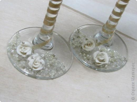 Хочу поделиться, как я делала бокалы для родителей на юбилей свадьбы. Тут было много разных вариантов, но с фото не видела, так что выкладываю свои фото 13