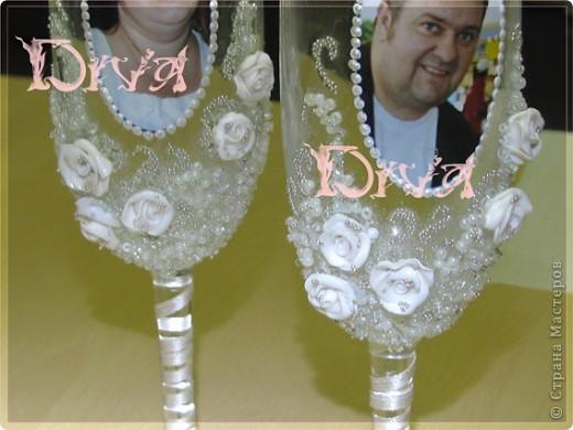 Хочу поделиться, как я делала бокалы для родителей на юбилей свадьбы. Тут было много разных вариантов, но с фото не видела, так что выкладываю свои фото 16