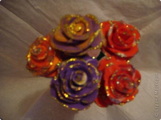 Розы из пластика фото 1