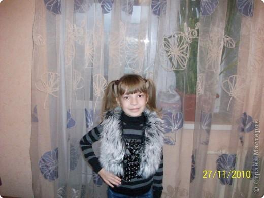 Дочери была необходима жилетка к черной кофте. Пришлось за один день сшить. фото 1