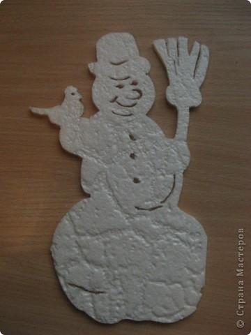 За окошком уже зима, правда, у нас пока бесснежная.., зато дома у нас - снегопад! Эти снежинки сделала моя мама в подарок нам и для украшения класса сыну. фото 9