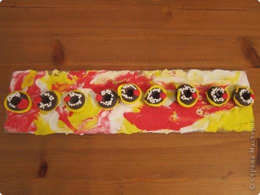 Готовимся к празднику Ханука,сделали такую Ханукию из пластилина и даже опробовали ее в деле..  фото 2