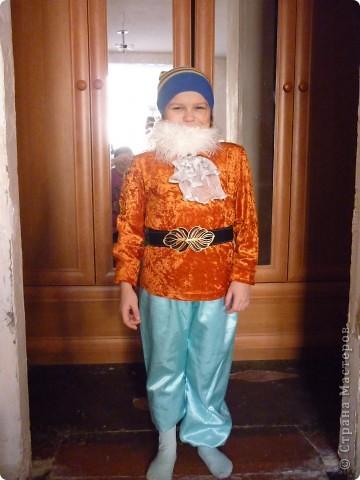 Костюм Гнома(для внука)примеряем на племяшку.Штанину подвернули специально,можно одеть как бриджи. фото 1