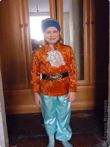 Костюм Гнома(для внука)примеряем на племяшку.Штанину подвернули специально,можно одеть как бриджи. фото 2