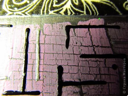 Размеры рамы 26*26 см, зеркала 10*10 см. Материалы: зеркало с деревянной рамой, салфетка, акриловые краски, акриловый лак, контур, кракелюр, глиттеры. фото 2