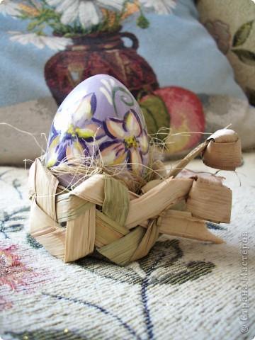 Яйцо в подставке фото 1