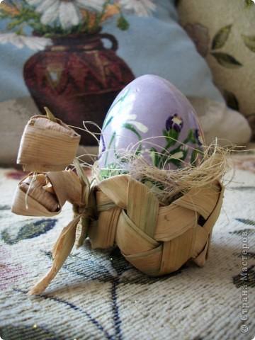 Яйцо в подставке фото 2