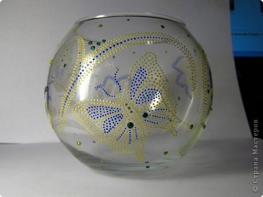 Материалы: стеклянный подсвечник-шар, контуры, глиттеры. Это с фоном. фото 3