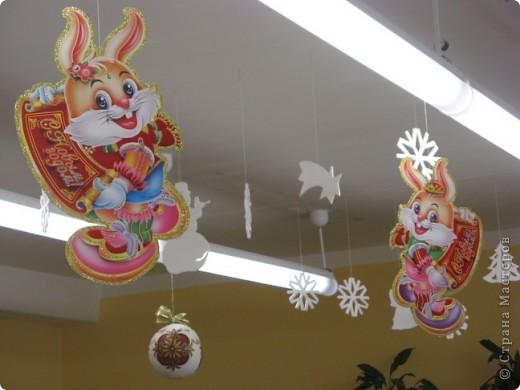 Вот такие новогодние поделки уже украшают наш класс. фото 8