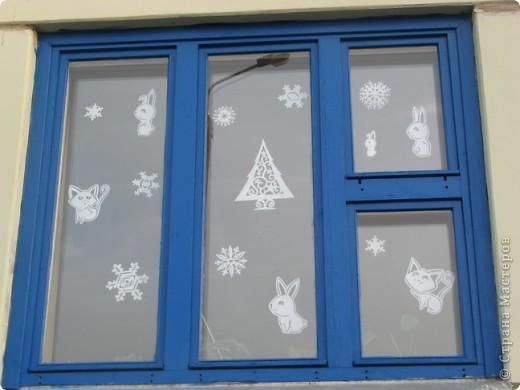 Вот такие новогодние поделки уже украшают наш класс. фото 13