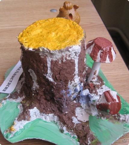 Работа из папье-маше учеников 4 класса . Для поделки вместо газет использовалась упаковка из-под яиц мелко измельченная и залитая водой для набухания. Потом немного клея ПВА - можно лепить. фото 3