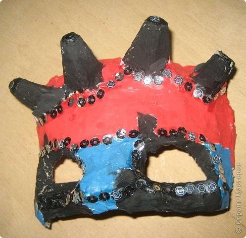 Эта маска выполнена мной в качестве образца для работы с детьми. Все остальные - детьми 4 класса. В них они будут танцевать. фото 3