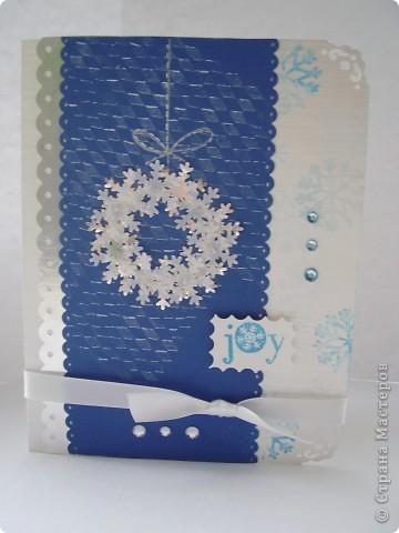 Давненько я ничего не выкладывала :). Вот новая порция новогодних открыток. Первая - серебристо-снежная.  Серебристая цветная бумага, бумага для пастели, веллум, и много разных штампиков... фото 1