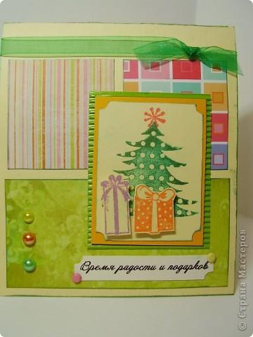 Давненько я ничего не выкладывала :). Вот новая порция новогодних открыток. Первая - серебристо-снежная.  Серебристая цветная бумага, бумага для пастели, веллум, и много разных штампиков... фото 5