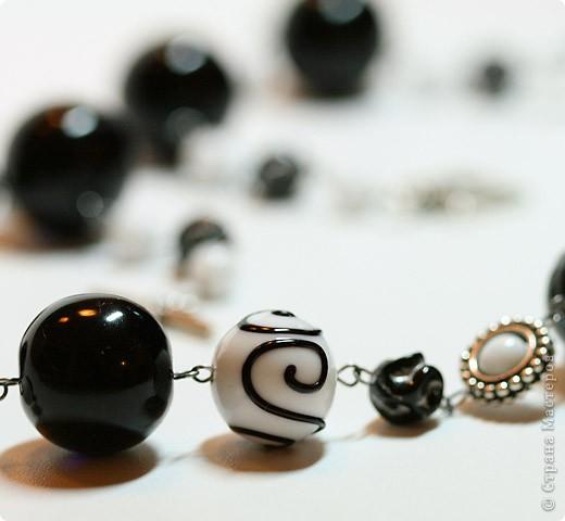 """Комплект """"Black & White"""" из колье, браслета и сережек фото 4"""