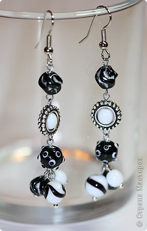 """Комплект """"Black & White"""" из колье, браслета и сережек фото 2"""