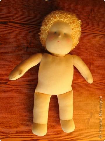 Заказали мне друзья куколку-голышка для Школы родителей. Это моя первая попытка сделать вальдорфскую куклу.  фото 3