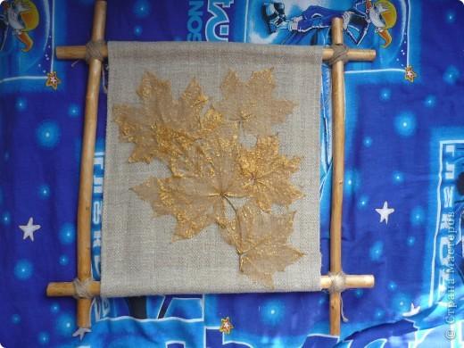 Пано из природного материала: орешник,скилетированные листья, льняная веревка и грубая льняная ткань фото 1